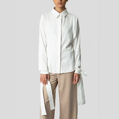 Picture of White buttoned blouse