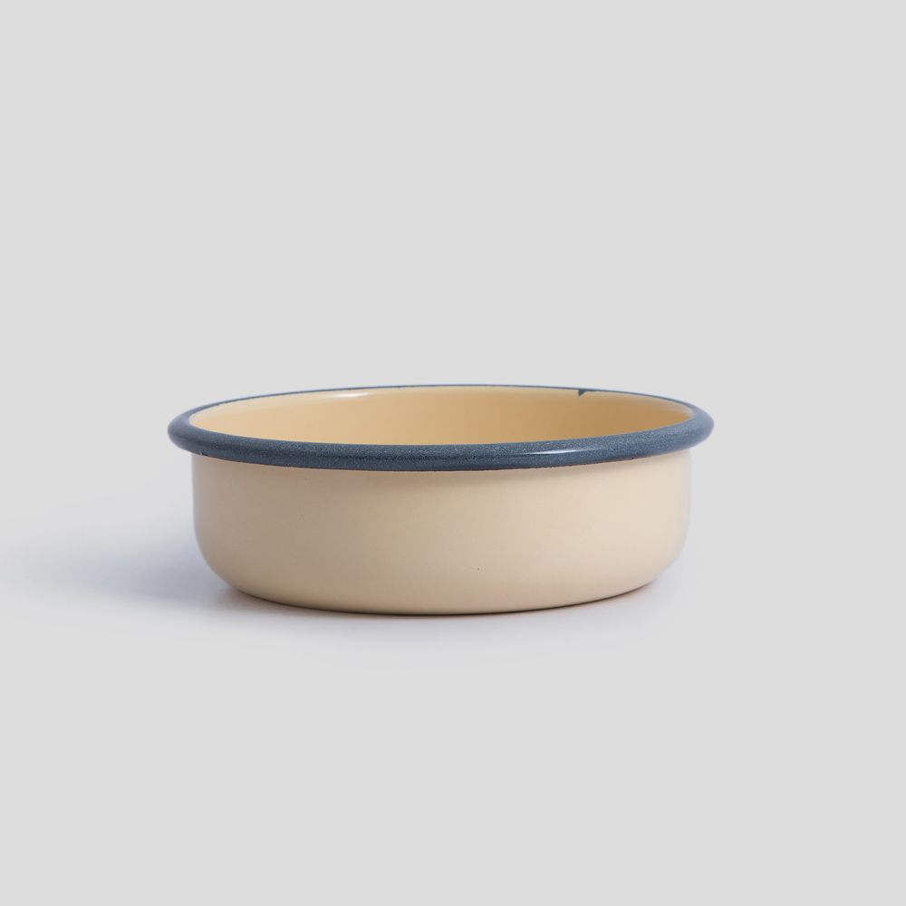 Picture of Cream enamel bowl