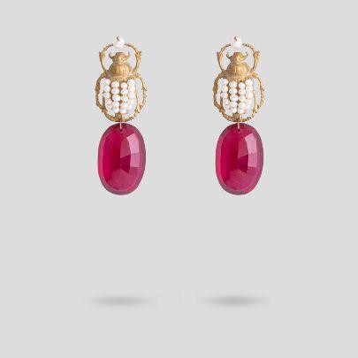 Picture of Pearl beetle earrings