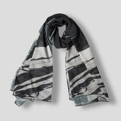 Picture of qal scarf 2