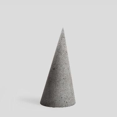 تصویر مجسمه مخروطی طوسی