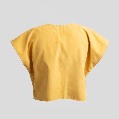 تصویر آستین کوتاه زرد با جیب بزرگ