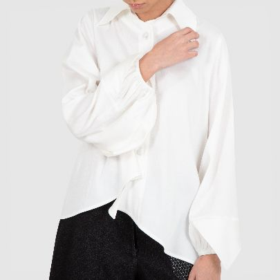 Picture of ًwhite long sleeve