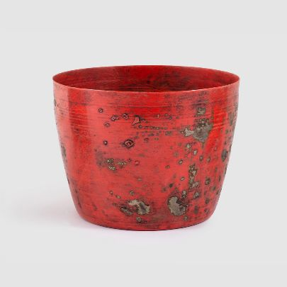 تصویر گلدان کهنه پهن قرمز