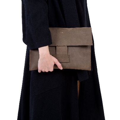 تصویر کیف دستی چرم قهوه ای سوخته