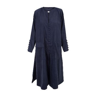 Picture of dark blue buttoned mantua