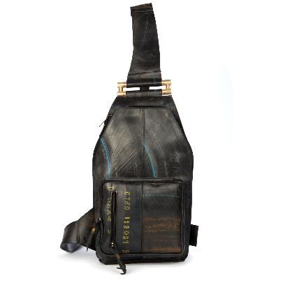 Picture of bagpack with metal handle