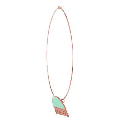 تصویر گردنبند سبز از مجموعه شانه