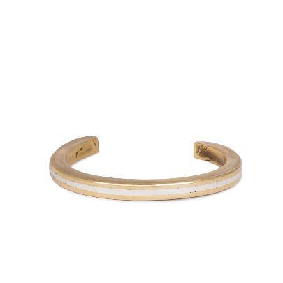 تصویر دستبند نقره دار