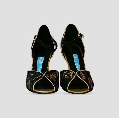 Picture of golden silk high heels