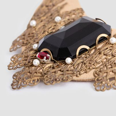Picture of black necklace with leather
