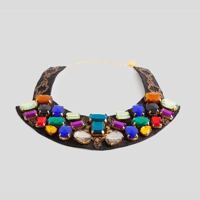Picture of colorfull necklace with leather