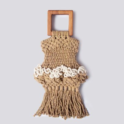 Picture of root cream handbag