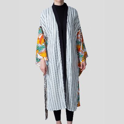 Picture of colorfull sleeve mantua