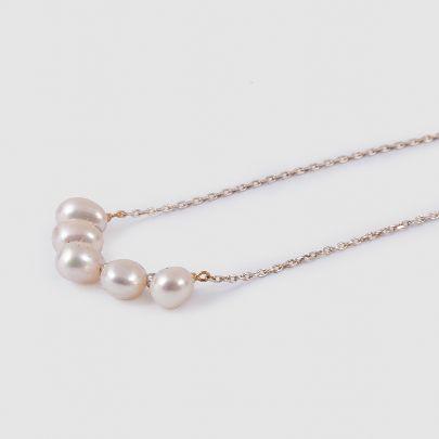 تصویر گردنبند مروارید سفید با زنجیر نقره ای