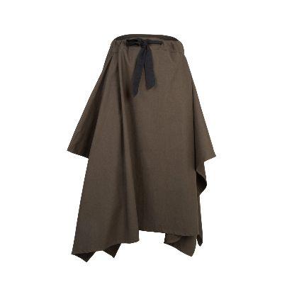 Picture of solmaz mahjoubifard's green skirt