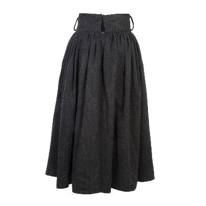 Picture of solmaz mahjoubifard's pleated gray skirt