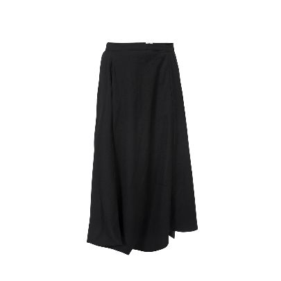 Picture of black skirt pants