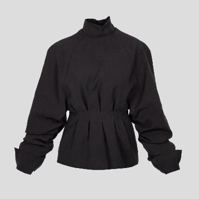 Picture of black blouse with pleat
