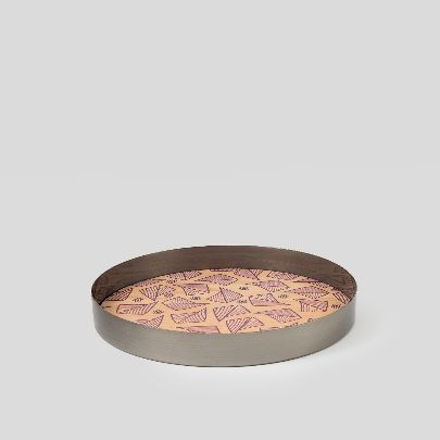Picture of wooden tray with leaves pattern