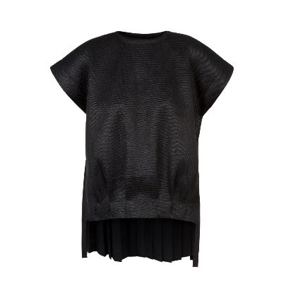 Picture of chapter 38 shiny black tricot shirt