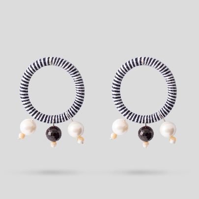 تصویر گوشواره بهار مشکی سفید