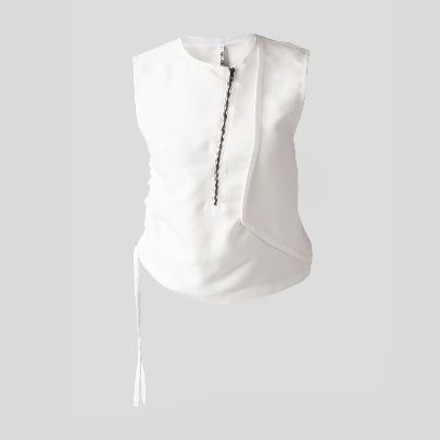 Picture of white top with zipper