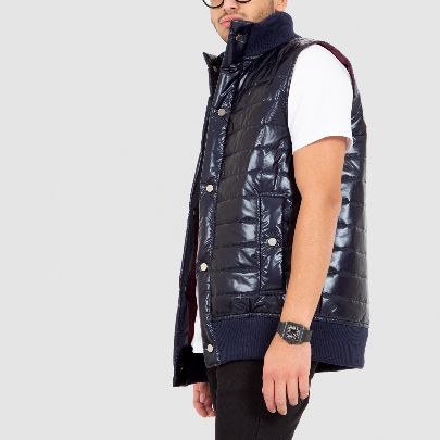 Picture of dark blue puffer vest