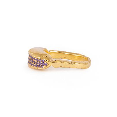 Picture of gold ring with purple crystals