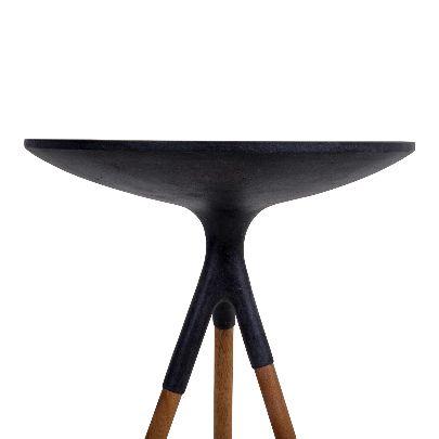 تصویر میز کنار مبل