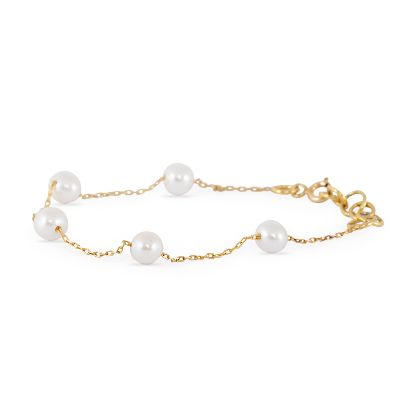 Picture of pearl and chain bracelet