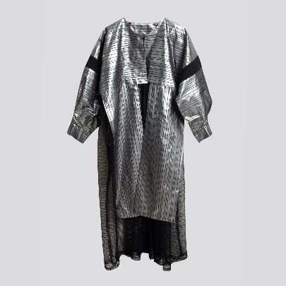 Picture of black & silver mantua