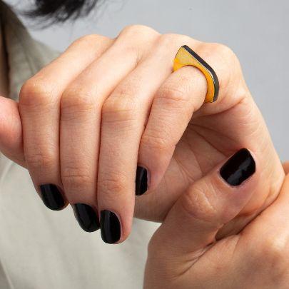 تصویر انگشترطلایی دور نقره ای چندضلعی