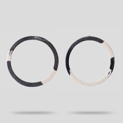 Picture of white gray circle earrings