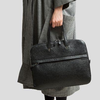Picture of black handbag