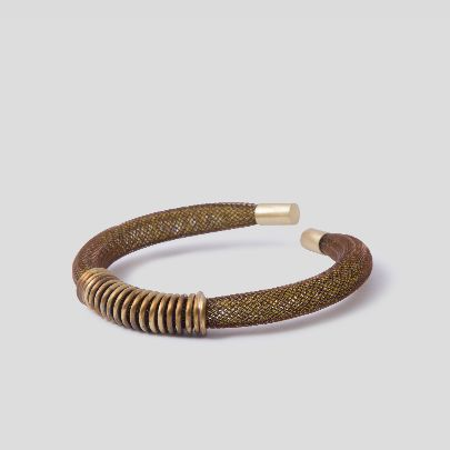 Picture of brown bracelet with wire