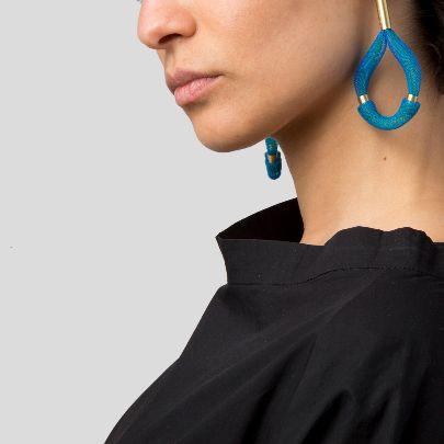 تصویر گوشواره آبی اشکی