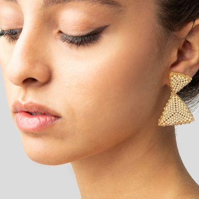 Picture of akoo beige earrings