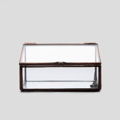 Picture of glass box with lid