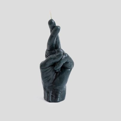 Picture of dark green finger crossed candle
