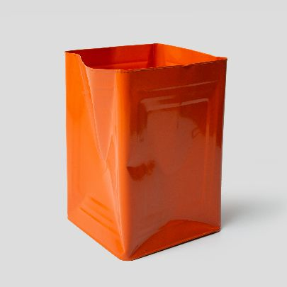 Picture of orange tin bucket