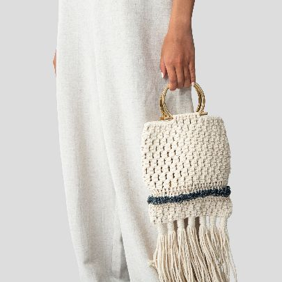 Picture of white simple handbag