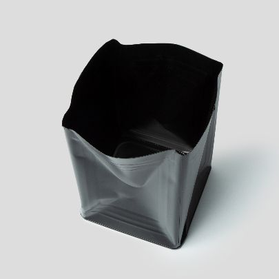 Picture of black tin bucket