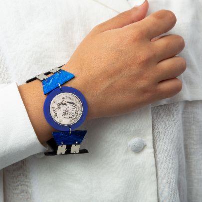 تصویر دستبند مشکی رودخانه