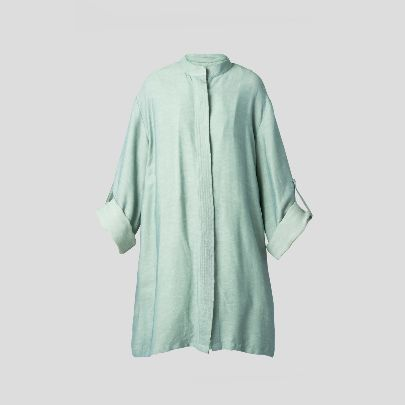 Picture of Green mantua with button