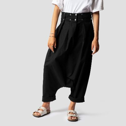 Picture of Black pleated pants