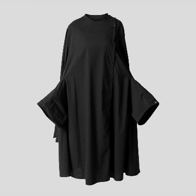 Picture of Long black mantua