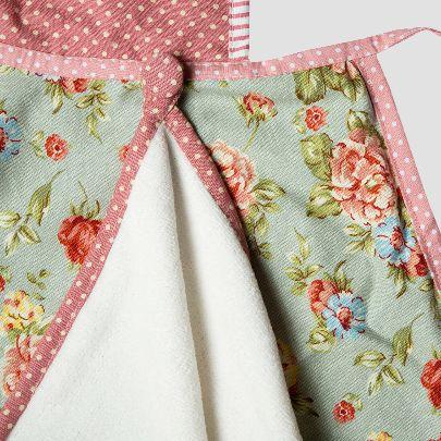 تصویر پیشبند با آستر دامن گلدار