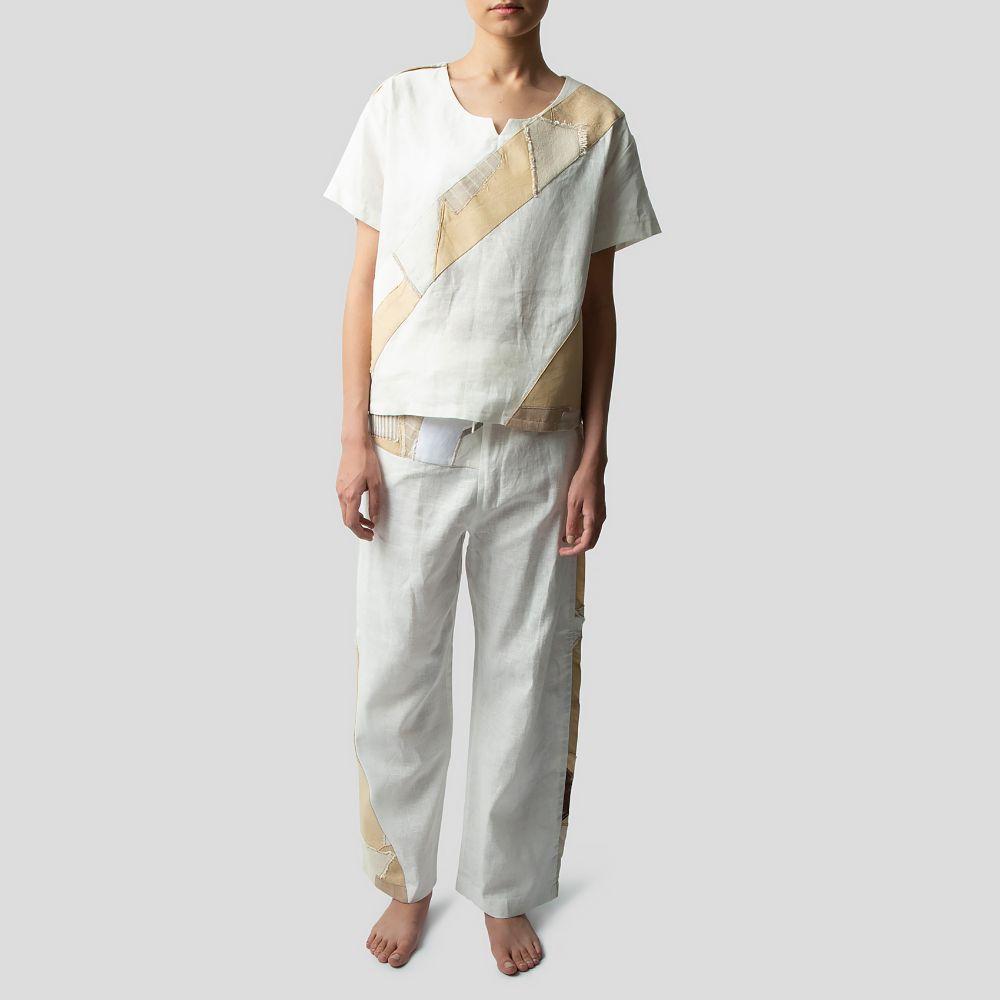 تصویر  ست لباس راحتی سفید خردلی