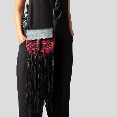 Picture of Macrame red shoulder bag